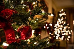 Fast Facts about Holiday Lighting: What You Need to Know